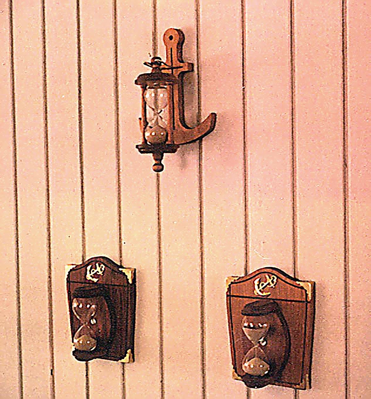 Padauk Anchor Wall-Mounted Hourglass